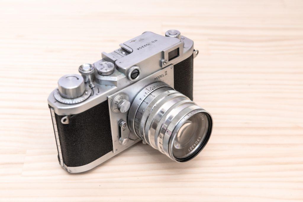 古いフィルムカメラの処分と買取を分ける基準は?