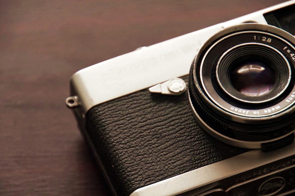 コニカミノルタのカメラやレンズは高く売れる?買取相場はいくら?